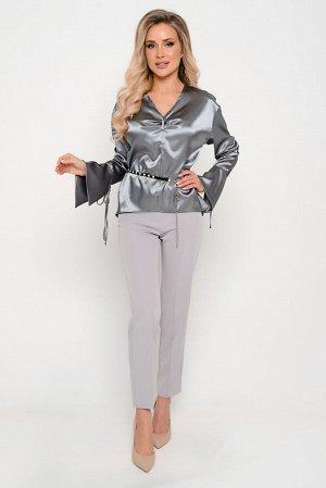 Брюки Ткань: костюмно-плательного ассортимента. Особенности: плотная, эластичная, с хорошим формообразованием.  Средней толщины, износостойкая. Переплетение диагональное.  Состав: полиэстер 95%, спанд