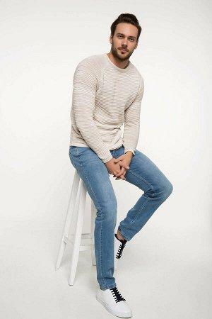 Пуловер Размеры модели: рост: 1,87 грудь: 100 талия: 74 бедрa: 95 Надет размер: M Di?er Elyaf 5%,полиэстер 35%,хлопок 60%