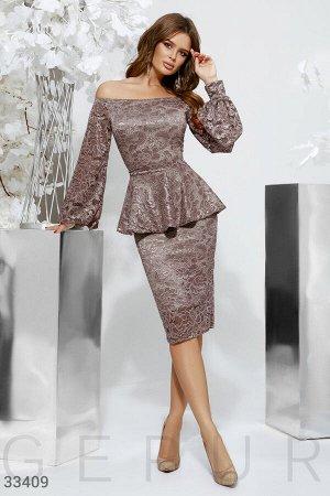 Кружевное платье с баской