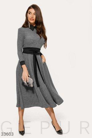 Трикотажное расклешенное платье