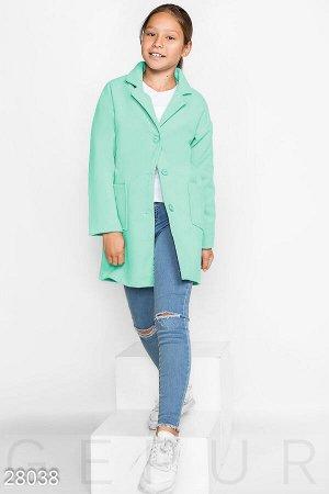 Лаконичное детское пальто