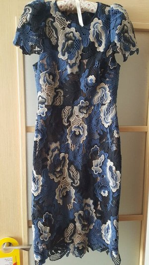 Платье на 42 русский размер,  фирма Z11