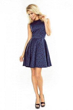 Платье NUMOCO 125-22 тёмно-синий  Платье-клёш из материала в кружочки. Очень удобно и женственно. Рост модели на фото 170 см. Со