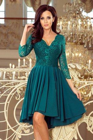 Платье NUMOCO 210-8  Асимметричное эксклюзивное платье с удлинённой спинкой, рукавом 3/4, вырезом и кружевом. Юбка идеально подо