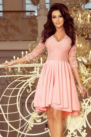 Платье NUMOCO 210-7  Асимметричное эксклюзивное платье с удлинённой спинкой, рукавом 3/4, вырезом и кружевом. Юбка идеально подо
