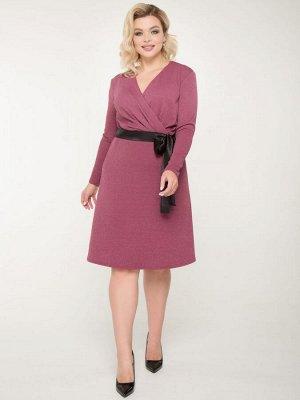 Платья Нарядное платье приталенного силуэта с элементом запаха из трикотажа с люрексом. - однотонная расцветка - V - образный вырез горловины - рукава втачные длинные - отрезная линия талии - по перед