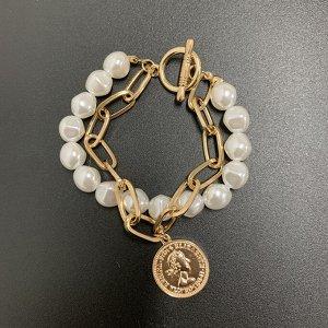 Жемчужный браслет с цепочкой и монетой