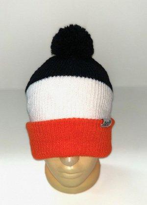 Шапка Черно-белая шапка с оранжевым отворотом и помпоном  №4177