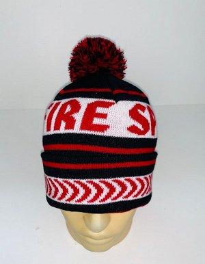 Шапка Черная шапка с красно-белым узором и помпоном  №4065