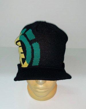 Шапка Стильная шапка с козырьком и узором  №1638