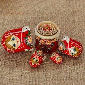 Матрёшка «Флора», красный платок, 5 кукольная, 17 см