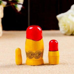 Матрёшка «Семёновская», красный платок, 3 кукольная, 7 см