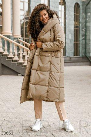 Удлиненная бежевая куртка