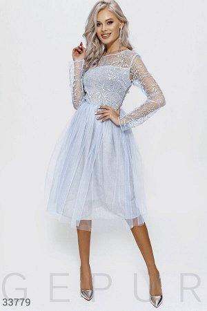 Платье небесно-голубого оттенка