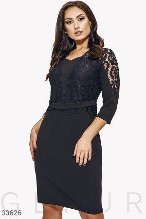 Черное платье с кружевным верхом