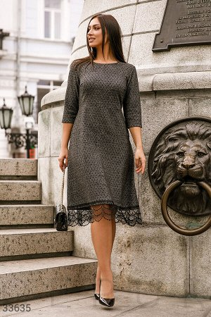 Теплое платье с гипюром