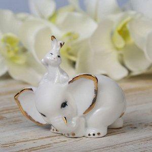 "Сувенир ""Белый слонёнок и зайчик"" 9.2х9.5х4.5 см"
