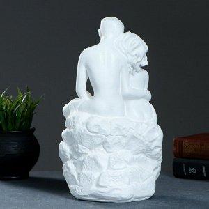 "Фигура ""Влюбленные на камне"" белый 13х18х30см"
