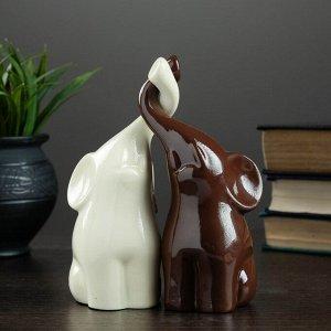"Фигура ""Пара слонов"" молочный+шоколад глянец 7х12х15см"