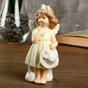 """Сувенир керамика """"Девочка-ангел в светло-жёлтом платье с белой шляпкой"""" 14,3х6,3х6,5 см"""