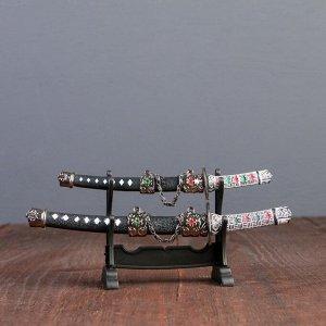 Сув. изделие катаны-мини 2в1 на подставке, ножны черные с белыми ромбами 16/20см микс