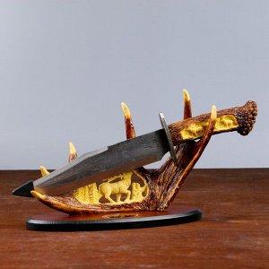 Сувенирное изделие, на подставке с лосем, на лосинных рогах 38х20 см