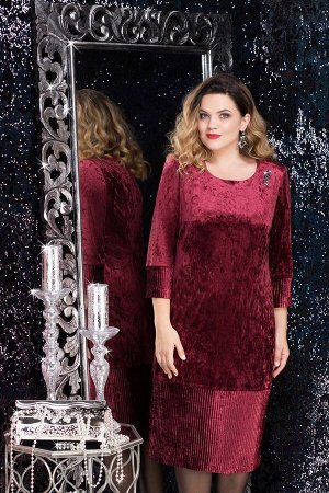 Платье Платье Lenata 11814 бордо  Состав ткани: ПЭ-95%; Спандекс-5%;  Рост: 164 см.  Велюровое платье выглядит очень красиво, однако, это не единственное его преимущество. Ткань одновременно удобная