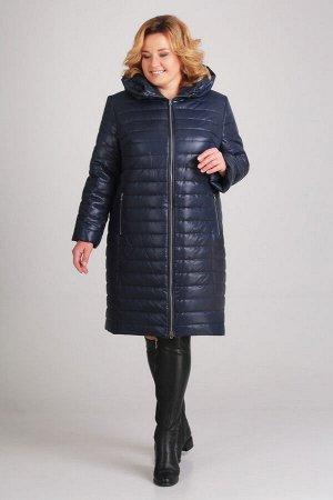 Пальто Пальто Асолия 3518 темно-синий  Состав ткани: ПЭ-100%;  Рост: 164 см.  Длина изделия: 98 см. длина рукава: 63,5 см. Пальто женское полуприлегающего силуэта, из плащевой ткани, простёганной на
