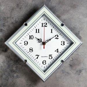 """Часы настенные. серия: Классика. """"Беккай"""". 31х31 см"""