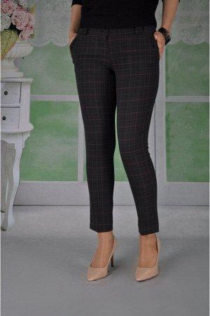 Брюки Эти прямые укороченные брюки,представленные в нескольких цветовых решениях,приятны во всех отношениях.Отличная посадка по фигуре,со вкусом выполненная отделка,актуальная длина выше щиколотки,выс