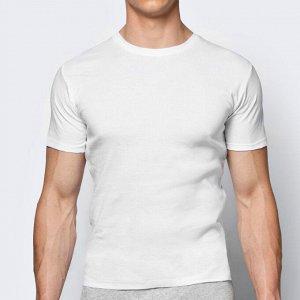 Белый 100% хлопок Базовая коллекция мужского нижнего белья Atlantic: мужская футболка BMV-048, которая подойдет для повседневной носки абсолютно любому мужчине. Классический фасон, круглый вырез, коро