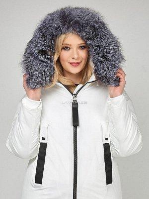 Женская зимняя молодежная куртка большого размера белого цвета