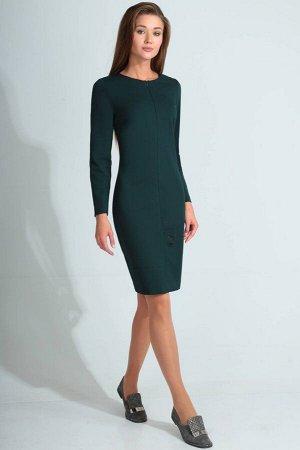 Платье Платье Golden Valley 4621  Состав ткани: Вискоза-26%; ПЭ-70%; Спандекс-4%;  Рост: 170 см.  Платье без воротника, с круглым вырезом горловины, застежкой на потайную молнию в среднем шве переда.
