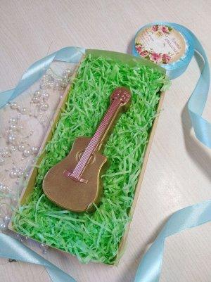 Гитара Вес 95+-5гр. Размер 13,5*5,5*2см. Упаковано в коробку!