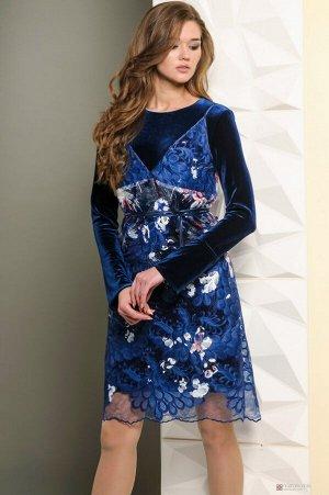 Платье Платье Golden Valley 4435 темно-синее  Состав ткани: Вискоза-26%; ПЭ-70%; Эластан-4%;  Рост: 170 см.  Оригинальное нарядное двуслойное платье. Нижнее трикотажное платье с круглым вырезом горло