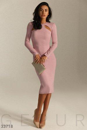 Романтичное платье светло-розового цвета