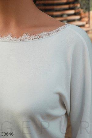 Белоснежная блуза с кружевом