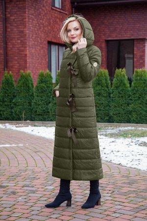 Пальто Пальто Azzara 3062 оливка  Состав ткани: ПЭ-100%;  Рост: 164 см.  Пальто женское, зимнее на утеплителе «изософт» двухслойное, прямого силуэта, с капюшоном, рукав втачной длинный, п