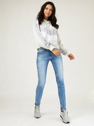 Хорошие джинсы на 48 размер.