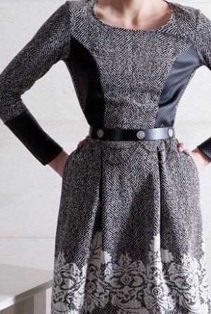 Платье Шикарное платье! Состав полотна: хлопок68%, полиэстер29%, эластан3%. Платье c приталенным верхом и украшенной цветочным принтом белого цвета отрезной юбкой А-силуэта с двумя крупными складками,