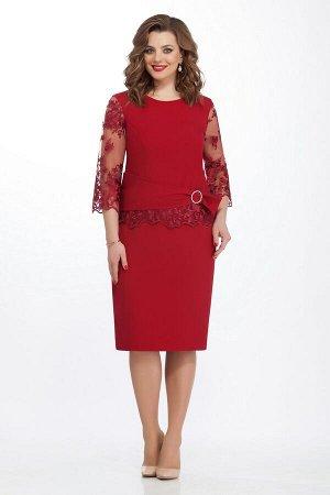 Платье Платье TEZA 131 бордо  Состав ткани: Вискоза-20%; ПЭ-76%; Эластан-4%;  Рост: 164 см.  Элегантное платье полуприлегающего силуэта с втачным рукавом. Спинка со средним швом с молнией, внизу разр