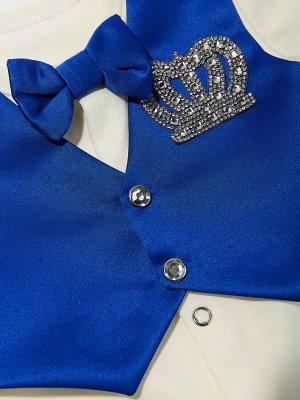 """Комплект на выписку """"Принц"""" комбинезон с синей жилеткой, бабочкой и стразами"""