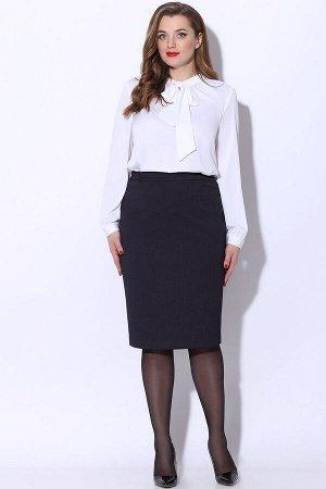 Юбка миди Рост: 164 см. Состав ткани: полиэстер 63%, вискоза 32%, эластан 5% Юбка базовая вещь женского гардероба, с помощью которой можно с легкостью создать повседневный или деловой образ. Юбка из п