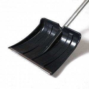Лопата пластиковая, ковш 380 ? 380 мм, морозостойкая, с алюминиевой планкой, алюминиевый черенок, «Снежинка»