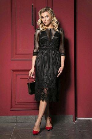 Платье Платье JeRusi 19153  Состав ткани: ПЭ-100%;  Рост: 164 см.  Модели из кружева смотрятся одновременно откровенно и таинственно. Словно окутанная дымкой, красивая женская фигура под нежными слоя