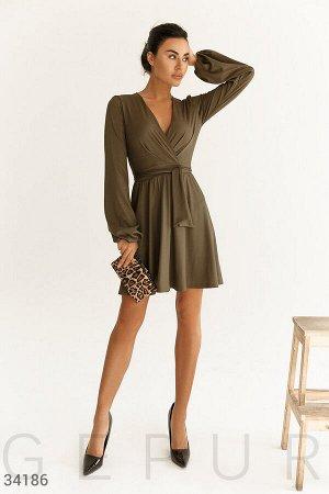 Платье из фактурного трикотажа