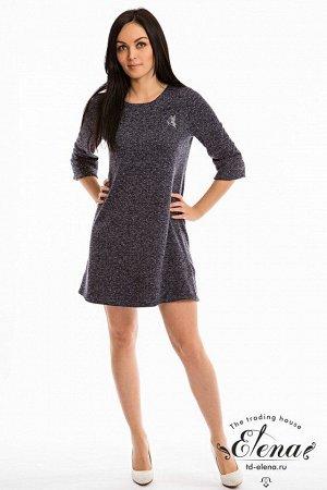 Платье Платье А-силуэта из вязаного полотна с люрексом, спереди нанесён красивый термопринт. Рукав втачной, длиной 3/4, горловина круглая. По низу рукава и платья широкая полоса, которая поддерживает