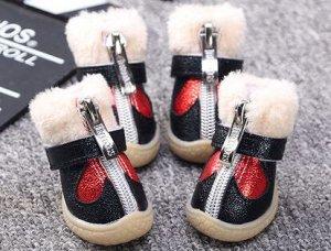 Красивые ботиночки для средней собачки.