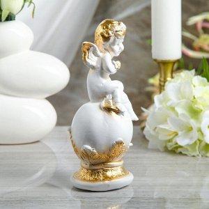 """Статуэтка """"Ангел на шаре с бабочкой"""" 24 см, белая"""