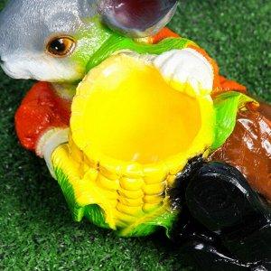 "Фигурное кашпо ""Заяц с кукурузой"""